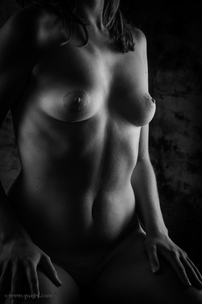 Exercice de style – photographie de nu classique en N&B